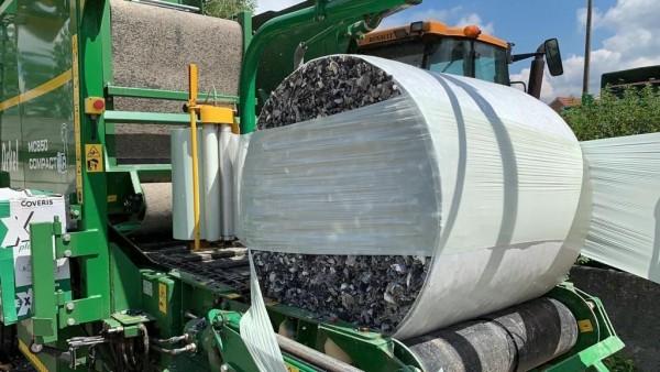 Frost-TEX Schnipselgemisch aus Kunststoff mit Schaumanteil 350 kg Rundballen